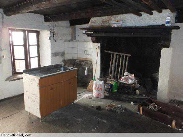 bobbio pellice kitchen out