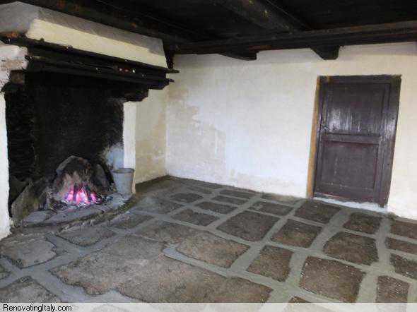 bobbio pellice kitchen floor